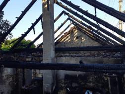 Családi ház égett, autók ütköztek