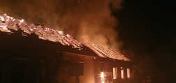 Családi ház égett ki Bakonytamásiban2